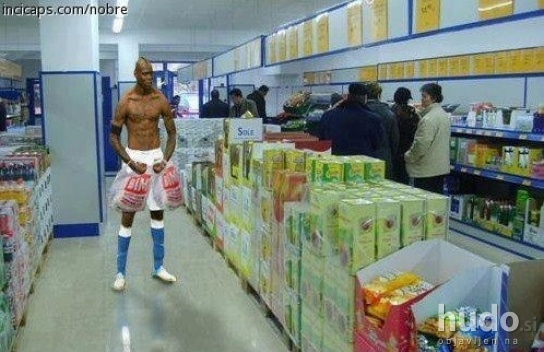 Balotelli nakupuje